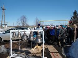 В Искитимской деревне в Благовещение звенят новые колокола