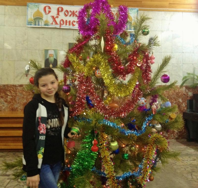 Рождественская елка для маленьких жителей поселка Ложок