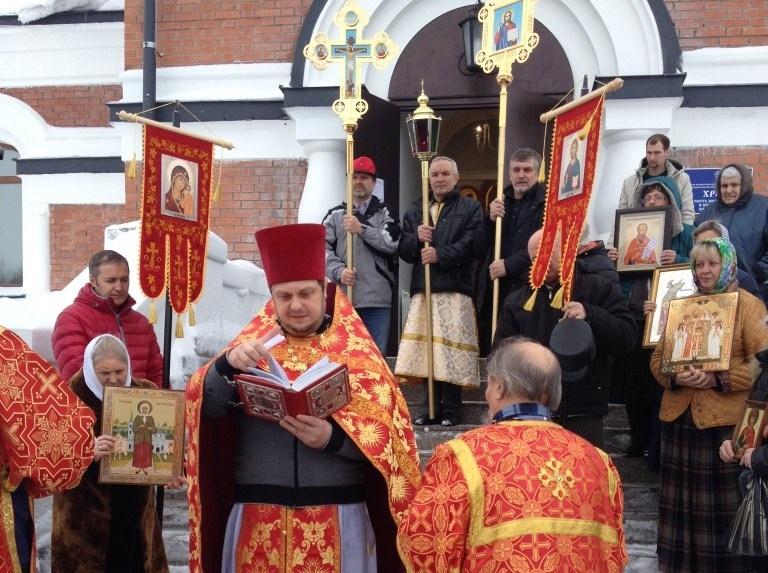 Престольный праздник в храме Новомучеников и Исповедников Российских на Святом источнике