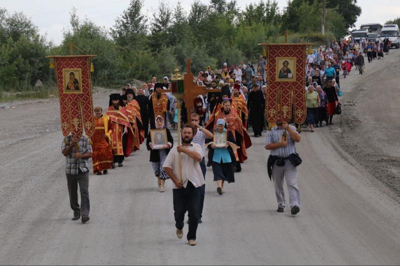 Состоялся крестный ход, посвященный памяти Святых Царственных страстотерпцев