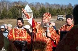 Память Новосибирских священномучеников молитвенно почтили в храме в честь Новомучеников и исповедников Церкви Русской на Святом Источнике